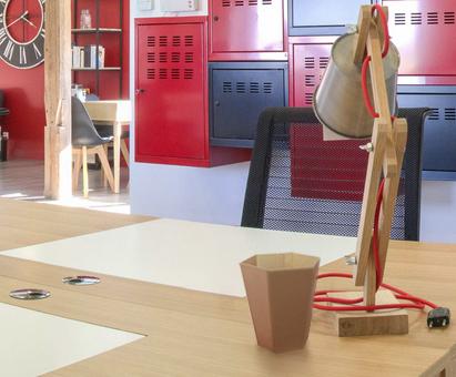 Poubelle de table pour le bureau dans les enteprises